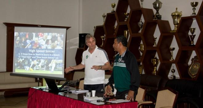Soccer Coaches Seminar: Peter Schreiner in Dubai 2014
